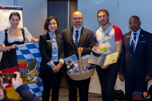 Re-Twinning 2017 mit JCE Annecy (Frankreich) auf dem Weltkongress in Amsterdam: