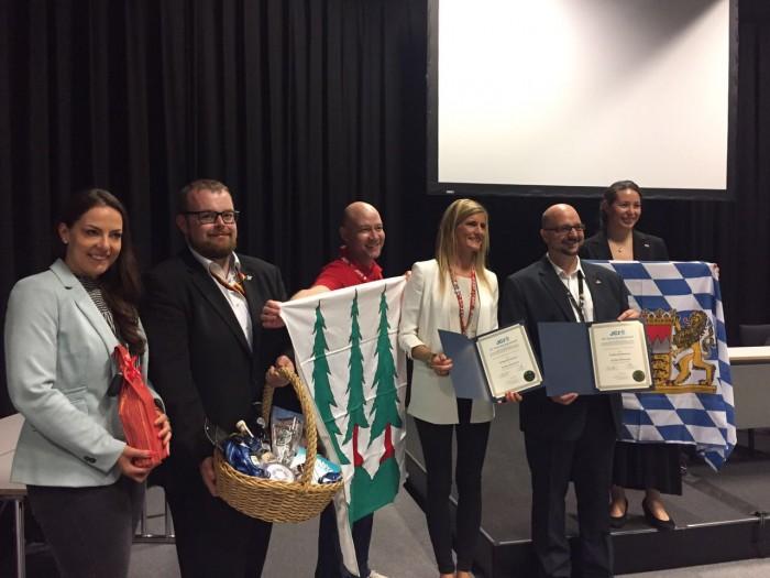 JCI Twinning Urkunde Wirtschaftsjunioren Bayreuth und JCI Olten